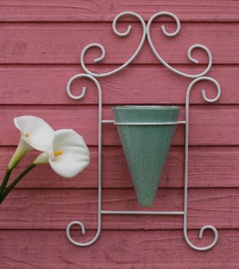 Floreira de Parede Em Aramado Branco com 1 Vaso  Verde
